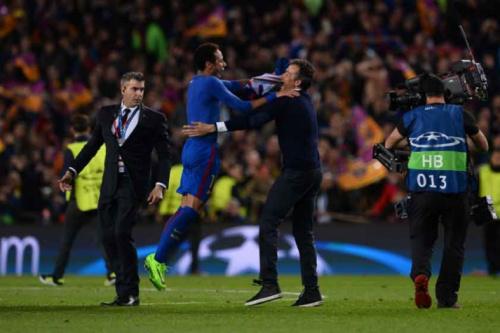 Barcelona é multado pela Uefa por invasão da torcida contra o PSG