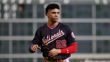 Nats' Juan Soto has the World in his hands