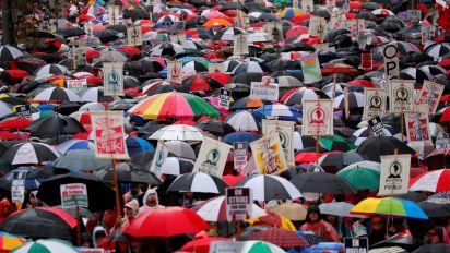 Los Angeles teachers' strike on day 2, no progress