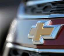 GM 1Q earnings fall 60 percent, triggering stock slide