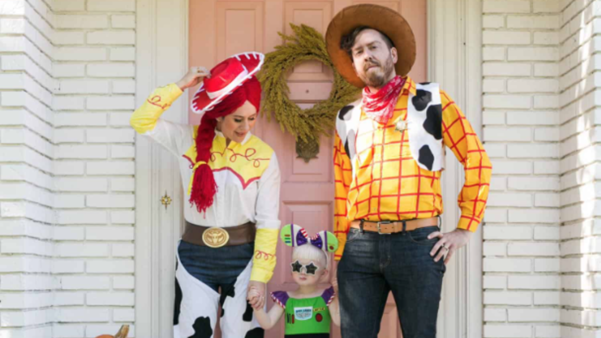 Halloween Costumes For Family Of 3 With A Baby Boy.16 Family Halloween Costumes Guaranteed To Win The Costume