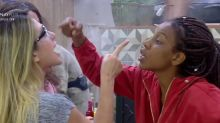 Briga entre Nadja e Luane tem dedo na cara e acusação de agressão