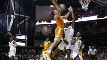 No. 1 Tennessee escapes huge letdown