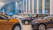 A Sliding Share Price Has Us Looking At Lithia Motors, Inc.'s (NYSE:LAD) P/E Ratio
