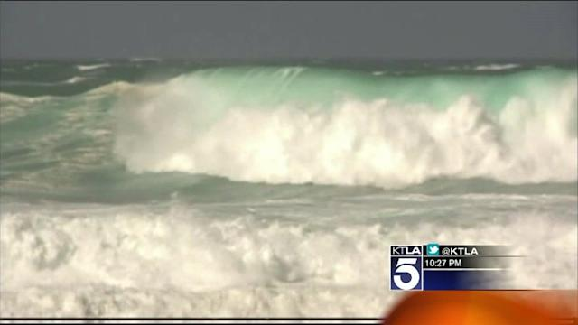 Swell That Produced Huge Waves in Hawaii to Hit California Coast