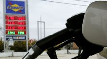 U.S. gasoline prices at seasonal four-year high ahead of midterm elections