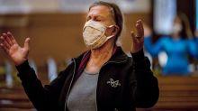 Coronavírus: Brasil tem 956 mortes em 24 horas e número total de casos chega a 498.440