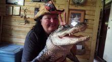 "I Live With A 6'6"" Alligator | BEAST BUDDIES"
