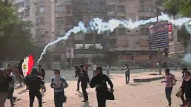 Morsi opponents rally in Cairo against new powers