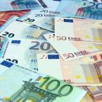 EUR/USD Price Forecast – Euro bounces on Friday