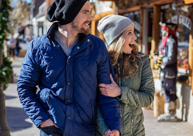 Steel yarn jackets absorb energy from the sun to keep you warm