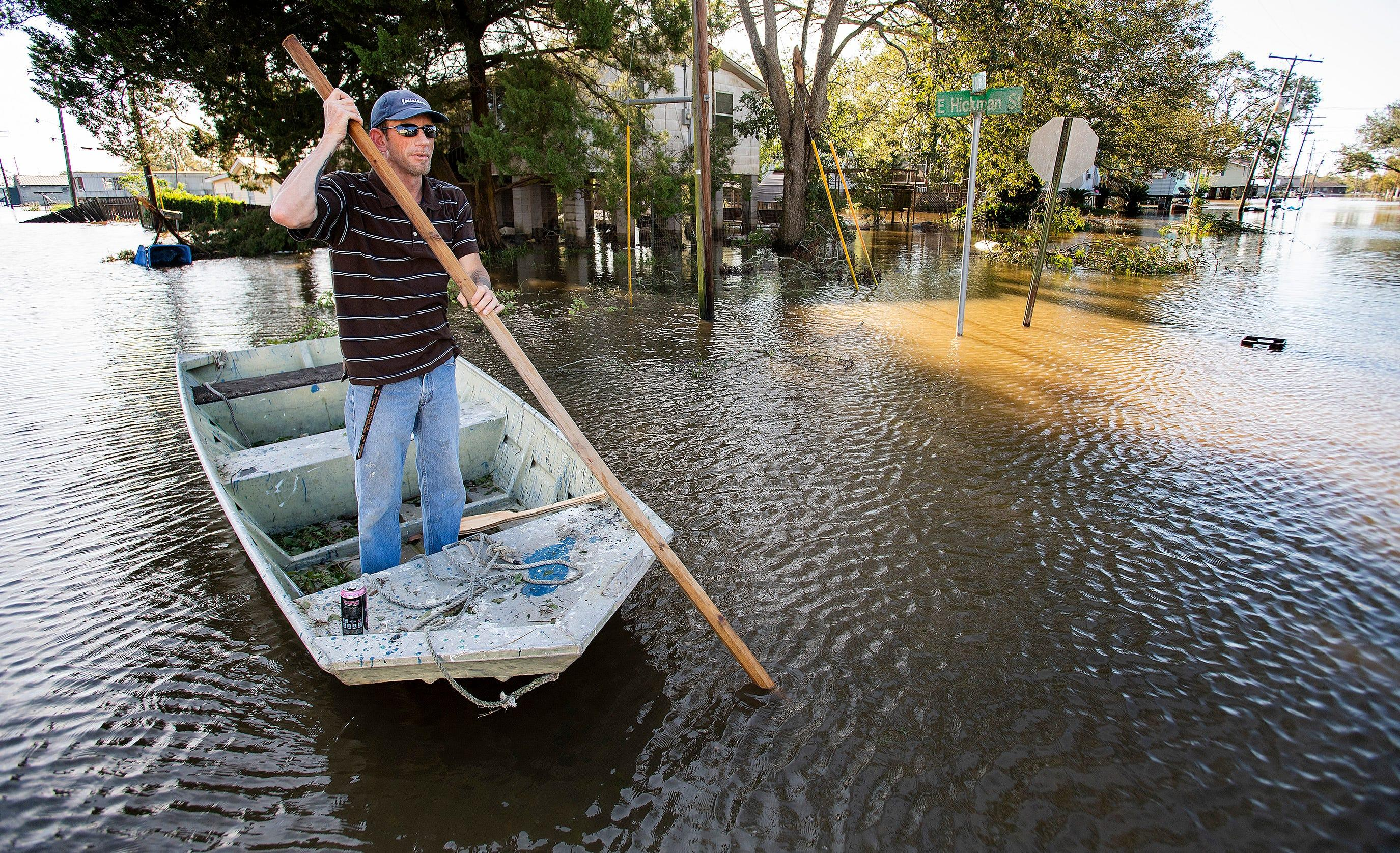 Delta live updates: Hundreds of thousands without power across South; Louisiana governor urges caution as clean-up begins