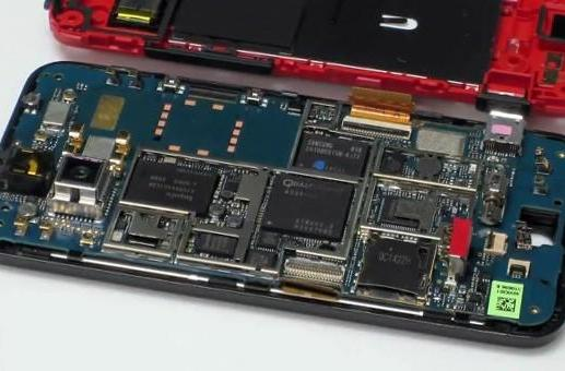 Droid Incredible torn down to its constituent elements, reassembled in a flash (video)