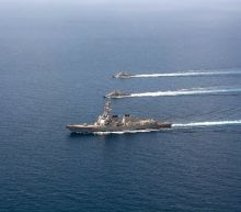 US threatens retaliation for attack on US warships off Yemen