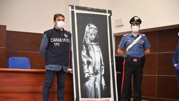 Italia devuelve a Francia la obra robada de Banksy en homenaje a Bataclan