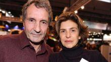 Anne Nivat et Jean-Jacques Bourdin complices et amoureux : ils posent ensemble à Val d'Isère