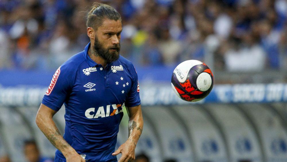 Rafael Sóbis critica calendário e vê empate justo contra o América-MG