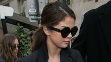 Los malfuncionamientos de vestuario de Selena Gomez en París