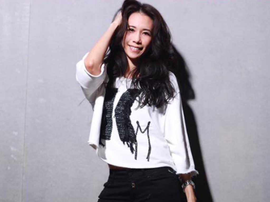 Karen Mok To Celebrate Anniversary With Husband