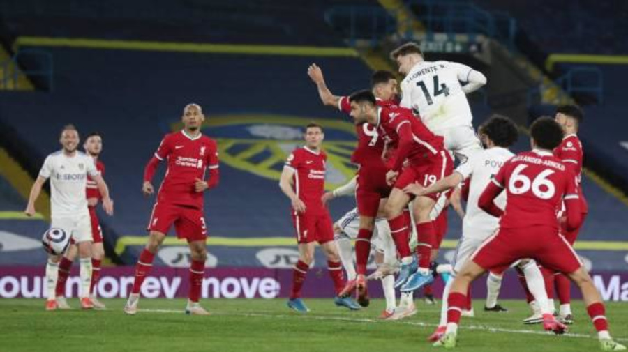 Foot - ANG - Angleterre: Liverpool accroché à Leeds