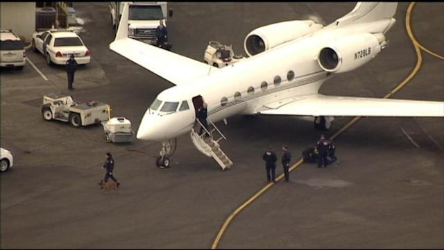 Justin Bieber's Private Plane Searched For Illegal Drugs