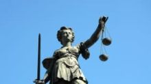 Con-man burglar who posed as an oligarch jailed