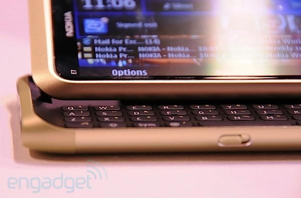 Nokia E7 first hands-on