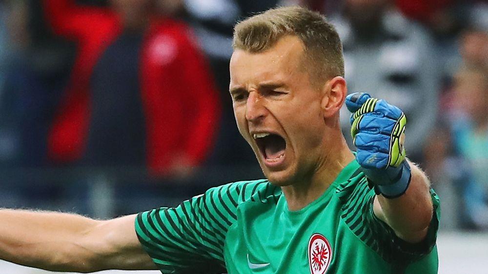 Frankfurt: Keeper Hradecky liebäugelt mit Wechsel