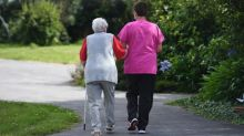 """Confiner uniquement les personnes âgées : """"Les retraités sont vent debout"""" contre une telle mesure, affirme la confédération française des retraités"""