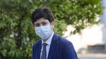 Stop vaccino Astrazeneca scatena social, Speranza finisce nel mirino