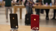 Former Apple CEO John Sculley says the company has one big problem