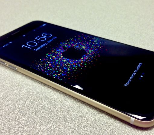 Someone built a black and gold iPhone 6 and it's everything you dreamed it would be