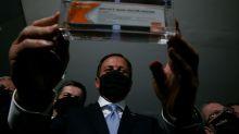 Presidente parece torcer contra a vacina de Covid-19, diz Doria