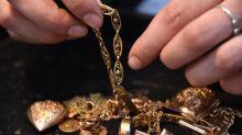 """""""On a quasiment trois fois plus de clients"""":l'achat et la vente d'or en plein boom suite à l'explosion des cours"""
