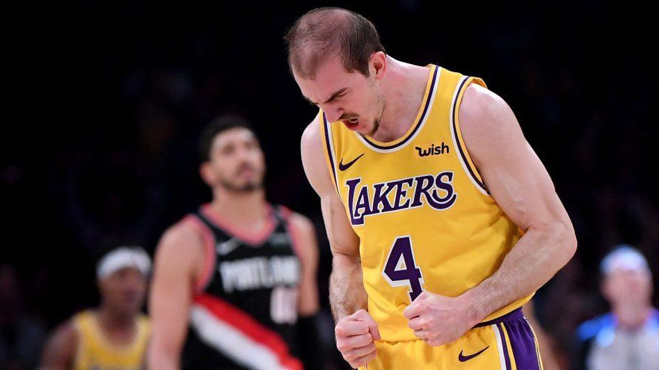 Report: Lakers bringing back Alex Caruso for another season