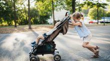 Este carrinho de bebê é o melhor avaliado na Amazon e custa menos de R$ 1 mil reais