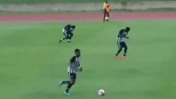 Video aus Jamaika: Fußball-Spieler vom Blitz getroffen