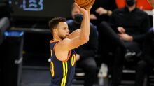 Warriors' Steph Curry one-ups LeBron James with own no-look 3-pointer
