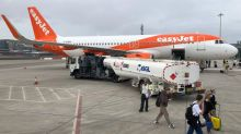 EasyJet cancels hundreds of flights but fails to inform passengers of all options