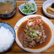 【三重美食】巷弄裡隱藏版高C/P值的日本料理食堂,平價美味但需耐心等待!