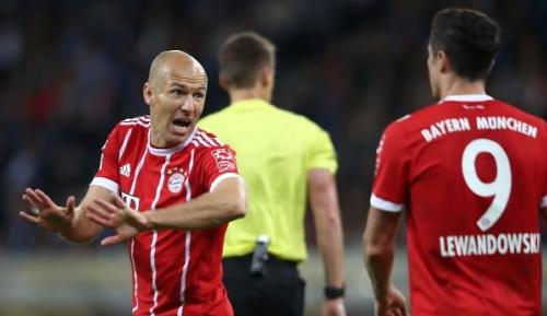 FC Bayern: Medien: Bayern-Kabine zerstritten