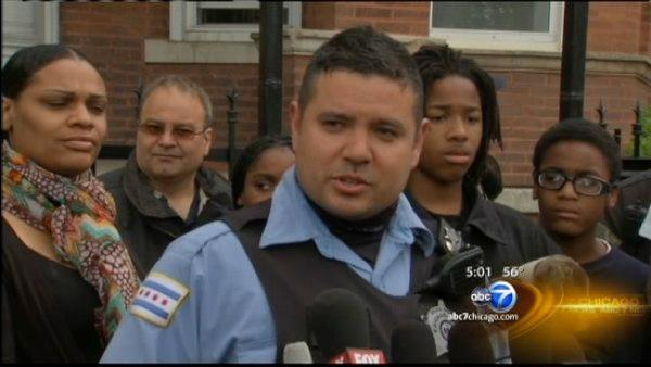 Chicago police officer saves woman, 6 children from burning home