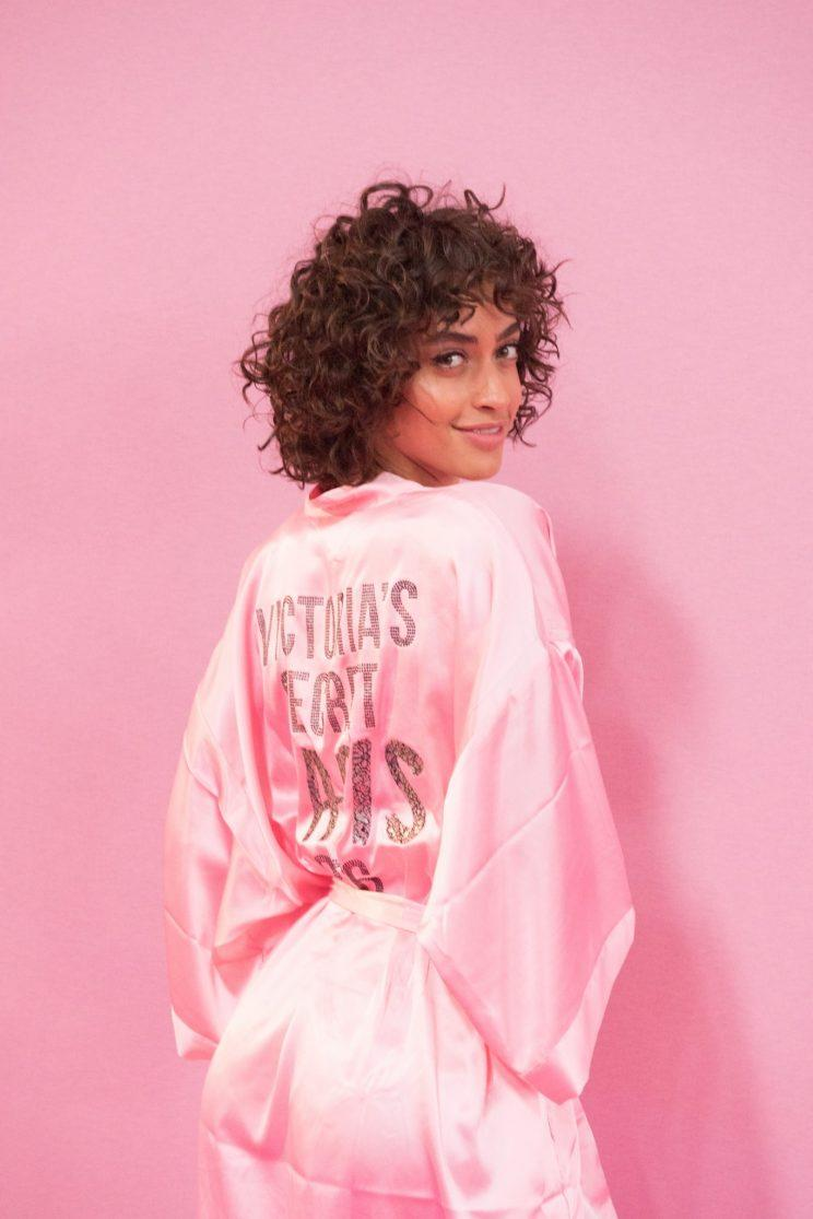Alanna Arringtons Curls Are All Set To Flourish On The Victorias Secret Fashion Show Runway In