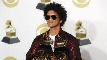 Forget the Floss: Bruno Mars choreographs new dance moves for Fortnite