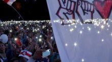 """Présidentielle en Biélorussie: des milliers d'opposants dans la rue pour réclamer """"la liberté"""""""