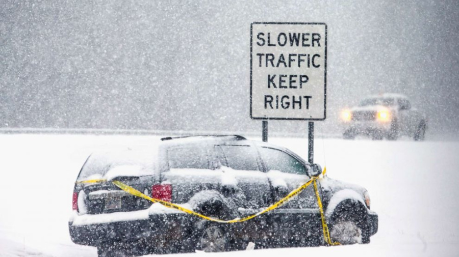 3 dead after massive snowstorm pummels N.C.