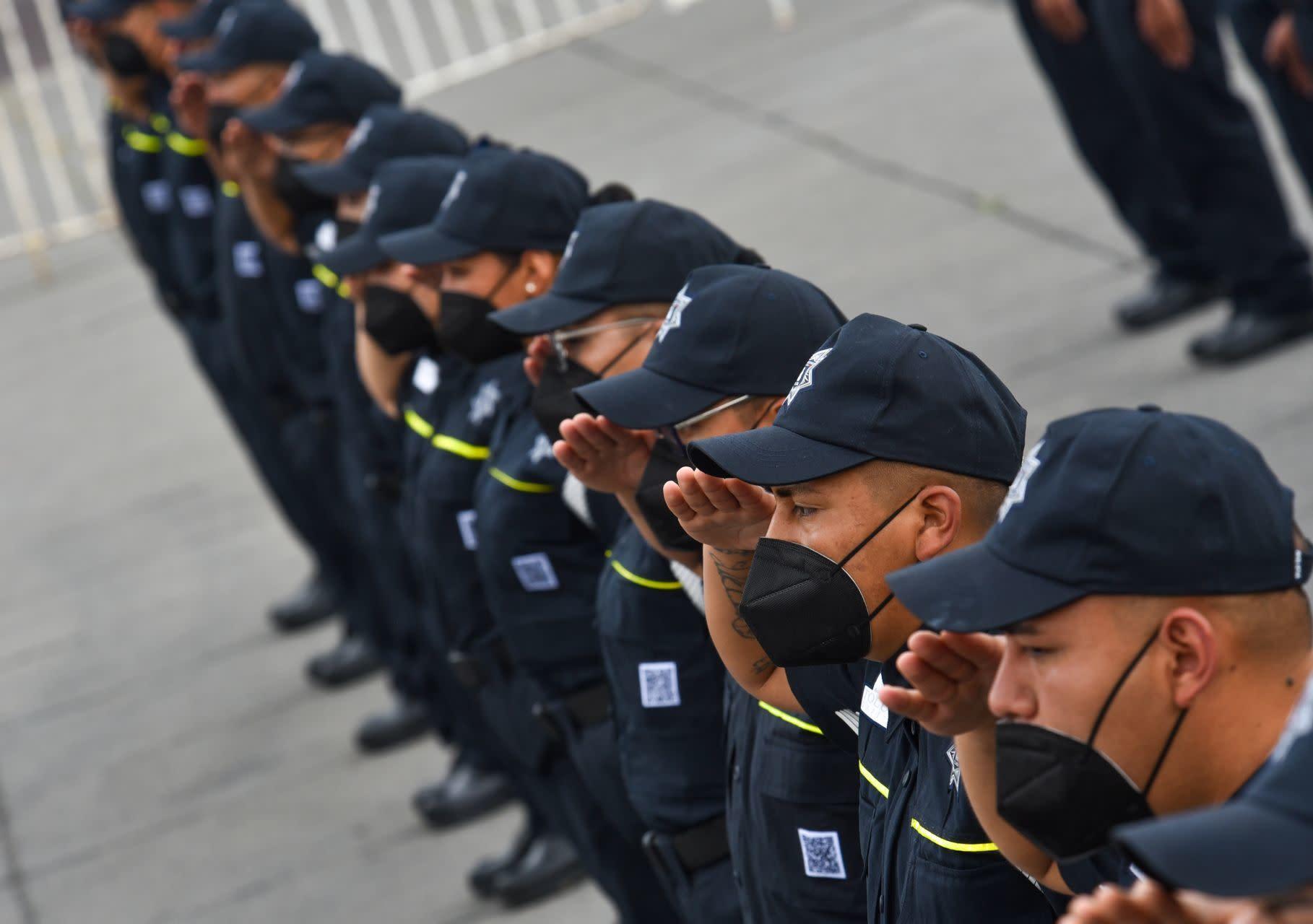 Deja COVID más de 700 policías muertos en 2020; 1 de cada 7 agentes  contagiados fallecen