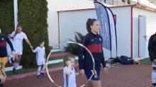 """Las lágrimas de esta niña al salir al campo con las jugadoras de Barcelona: """"Pero es que yo soy del Madrid"""""""
