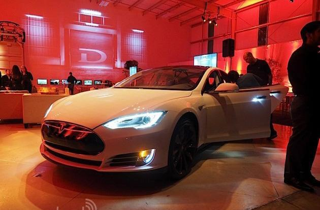Tesla shows just how far your Model S will go on a charge