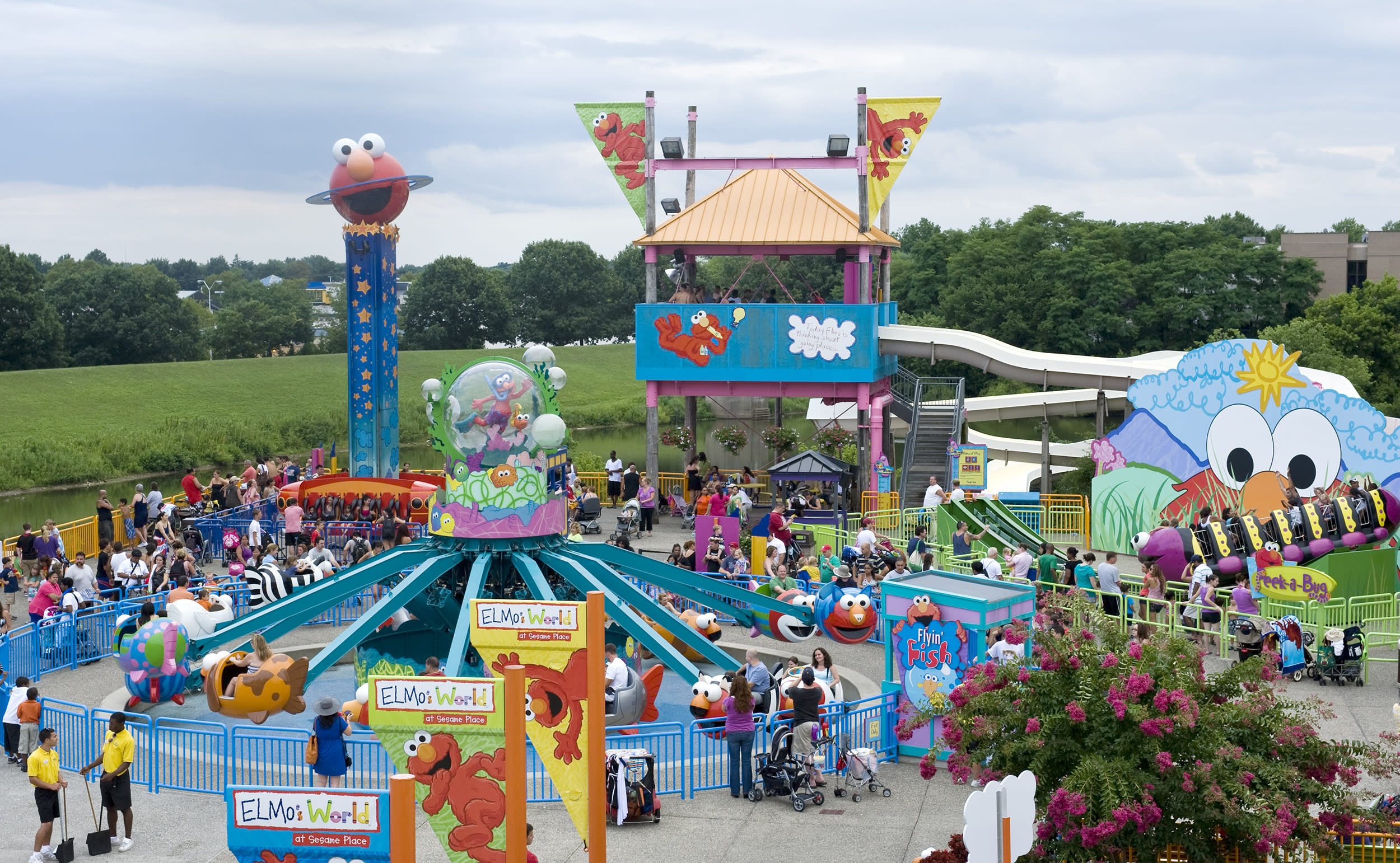 Sesame Place worker, 17, assaulted by couple in mask dispute, police say